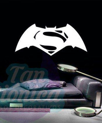 Superman vs Batman. Vinilo adhesivo decorativo, sticker económicos y baratos para el hogar.