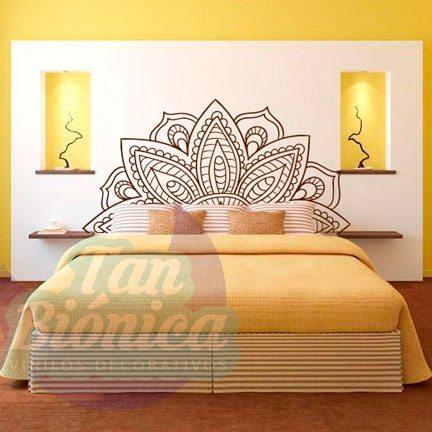 Respaldo con mandala, vinilo adhesivo decorativo. Sticker para la pared de tu habitación.